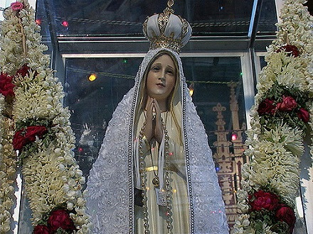 Our Lady of Fatima, Pilgrim, CC BY-SA 2.0, flickr.com