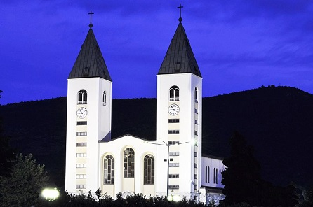 Medjugorje, gnuckx, CC BY 2.0, commons...