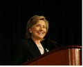 Hilary Clinton, autor: (on Senator Clinton's US gov congress site.)http://fr.wikipedia.org, volné dílo